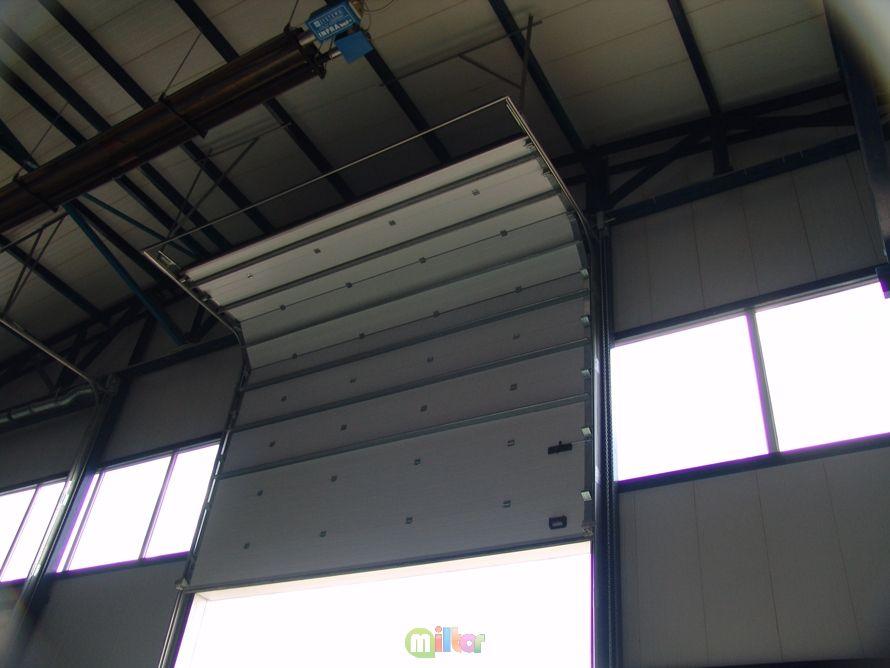 Ворота секционные для гаража, дома