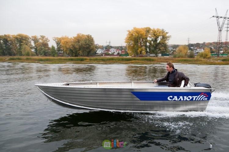 Купить лодку Салют-430Р Scout