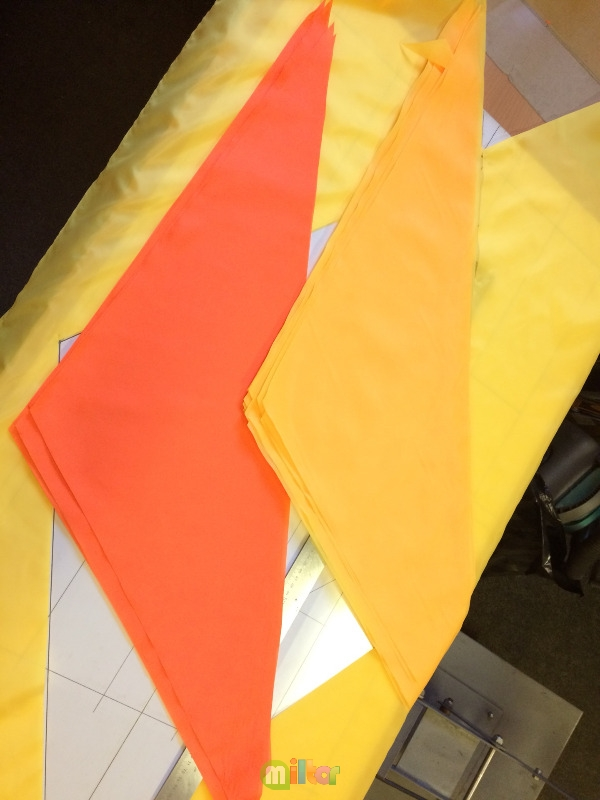Цветные пионерские галстуки